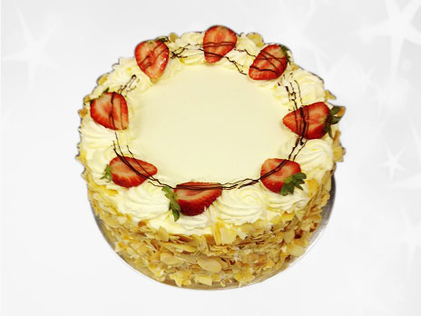 Standard Cakes-Vanilla custard and strawberries